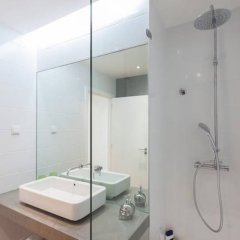 Отель Lisbon Deluxe Flat in Principe Real ванная фото 2