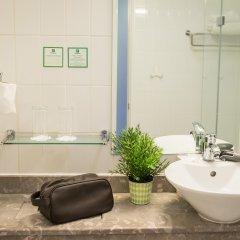Отель Holiday Inn Manchester West Солфорд ванная фото 2