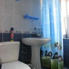 Гостиница Azat Guest House в Анапе отзывы, цены и фото номеров - забронировать гостиницу Azat Guest House онлайн Анапа ванная