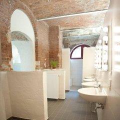 Subraum Hostel ванная