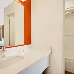 Отель Howard Johnson by Wyndham Las Vegas near the Strip США, Лас-Вегас - отзывы, цены и фото номеров - забронировать отель Howard Johnson by Wyndham Las Vegas near the Strip онлайн ванная