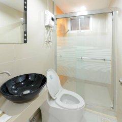 Отель Int Place Бангкок ванная фото 2