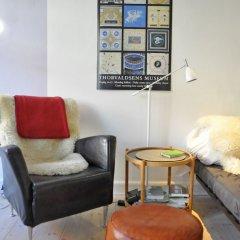 Отель 1 bedroom apt Close To Christiania 308-1 Дания, Копенгаген - отзывы, цены и фото номеров - забронировать отель 1 bedroom apt Close To Christiania 308-1 онлайн комната для гостей фото 2