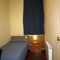Отель Hostal Bejar Барселона комната для гостей фото 4