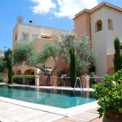 Отель Apartamentos Playa Ferrera бассейн