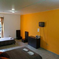 Отель Hostal Amigo Suites Мехико комната для гостей фото 3