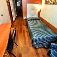 Hotel Mec комната для гостей