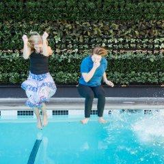 Отель Farmer's Daughter США, Лос-Анджелес - отзывы, цены и фото номеров - забронировать отель Farmer's Daughter онлайн бассейн