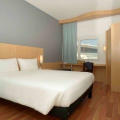 Hotel Ibis Lisboa Parque das Nacoes комната для гостей фото 3