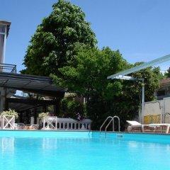 Hotel Apis бассейн фото 2