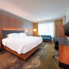 Отель Hyatt Regency Calgary Канада, Калгари - отзывы, цены и фото номеров - забронировать отель Hyatt Regency Calgary онлайн комната для гостей