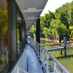 Отель Compass River City Boatel балкон