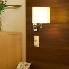 Hotel Alpha Wien сейф в номере