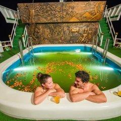 Отель Dragon Legend Cruise бассейн