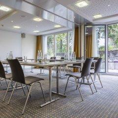 Отель Radisson Hotel Zurich Airport Швейцария, Рюмланг - 2 отзыва об отеле, цены и фото номеров - забронировать отель Radisson Hotel Zurich Airport онлайн помещение для мероприятий