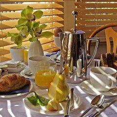 Отель Cavalaire Guest House Hotel Великобритания, Кемптаун - отзывы, цены и фото номеров - забронировать отель Cavalaire Guest House Hotel онлайн питание фото 2