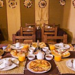 Отель Luxury Camp Chebbi Марокко, Мерзуга - отзывы, цены и фото номеров - забронировать отель Luxury Camp Chebbi онлайн питание фото 2