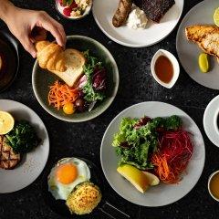 Отель The Royal Park Canvas - Ginza 8 Япония, Токио - отзывы, цены и фото номеров - забронировать отель The Royal Park Canvas - Ginza 8 онлайн питание