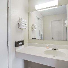 Отель Super 8 by Wyndham Manning ванная фото 2