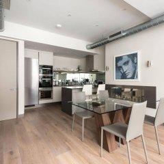 Апартаменты onefinestay - Soho Apartments в номере фото 2