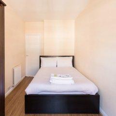 Отель Eson2 - The Martlett Court Residence II сейф в номере