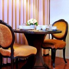 Отель Centre Point Silom Бангкок в номере