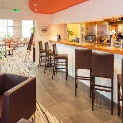 Отель Holiday Inn Clermont-Ferrand Centre Франция, Клермон-Ферран - отзывы, цены и фото номеров - забронировать отель Holiday Inn Clermont-Ferrand Centre онлайн гостиничный бар