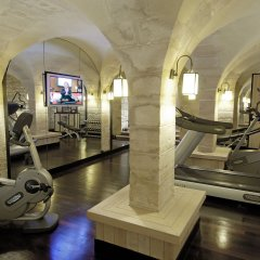 Отель Relais Christine фитнесс-зал