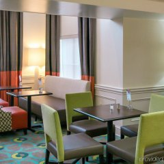 Отель Holiday Inn Express Vicksburg гостиничный бар