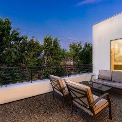 Отель Villa Esto США, Лос-Анджелес - отзывы, цены и фото номеров - забронировать отель Villa Esto онлайн балкон