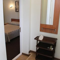 Гостиница Золотой Лев сейф в номере