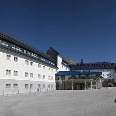 Albergue Inturjoven Sierra Nevada - Hostel парковка