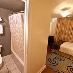 Отель Stay on Main Hotel США, Лос-Анджелес - 9 отзывов об отеле, цены и фото номеров - забронировать отель Stay on Main Hotel онлайн ванная фото 2