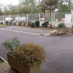 Отель Quick Palace Auxerre парковка