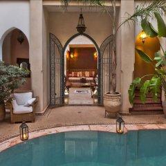 Отель Riad Monika Марокко, Марракеш - отзывы, цены и фото номеров - забронировать отель Riad Monika онлайн бассейн фото 3