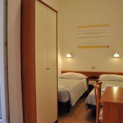 Отель Villa Caterina Италия, Римини - 1 отзыв об отеле, цены и фото номеров - забронировать отель Villa Caterina онлайн комната для гостей фото 4