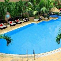 Отель Caravelle Saigon бассейн фото 2