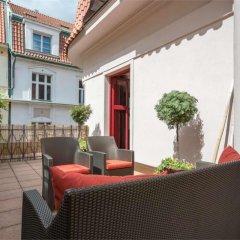 Отель Buddha-Bar Hotel Prague Чехия, Прага - 13 отзывов об отеле, цены и фото номеров - забронировать отель Buddha-Bar Hotel Prague онлайн балкон