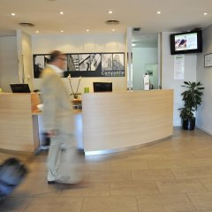 Отель Campanile Barcelona Sud - Cornella Испания, Корнелья-де-Льобрегат - 4 отзыва об отеле, цены и фото номеров - забронировать отель Campanile Barcelona Sud - Cornella онлайн интерьер отеля фото 2