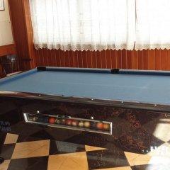Отель Hostal Cas Bombu спортивное сооружение