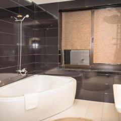 Гостиница София Отель Украина, Ровно - отзывы, цены и фото номеров - забронировать гостиницу София Отель онлайн ванная