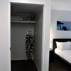 Отель Cathedral Place сейф в номере