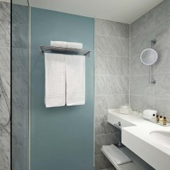 Отель Sheraton Stockholm Hotel Швеция, Стокгольм - 2 отзыва об отеле, цены и фото номеров - забронировать отель Sheraton Stockholm Hotel онлайн ванная