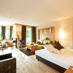 Отель Quellenhof Luxury Resort Passeier Сан-Мартино-ин-Пассирия комната для гостей фото 2