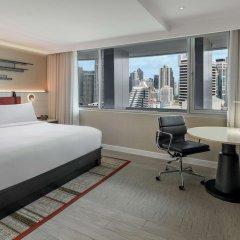 Отель DoubleTree by Hilton Bangkok Ploenchit Бангкок комната для гостей фото 12