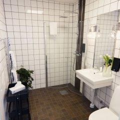 Отель Livin Station Швеция, Эребру - отзывы, цены и фото номеров - забронировать отель Livin Station онлайн ванная фото 2