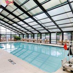 Отель Comfort Inn University Center бассейн фото 2