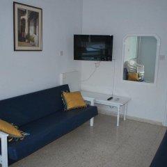 Апартаменты Flisvos Beach Apartments комната для гостей фото 3
