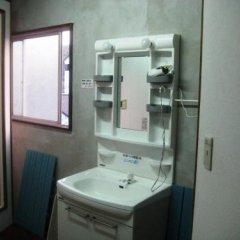 Отель Yukaina Nakamatachi - Hostel Япония, Якусима - отзывы, цены и фото номеров - забронировать отель Yukaina Nakamatachi - Hostel онлайн ванная фото 3
