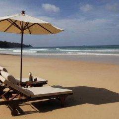 Отель Naithonburi Beach Resort Phuket пляж